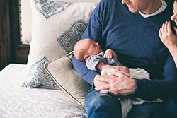 Meer partnerverlof bij toekomstige baby